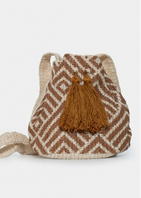 Straw pouch with brown design